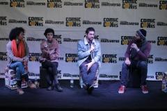 Painel com o elenco de Necrópolis - Reprodução do Facebook oficial da ComicConRS